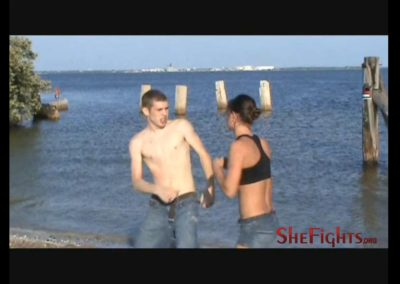 Cindy Goes To The Beach – And Stilletto Starts Hitting On Her